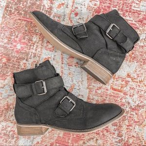 STEVE MADDEN TERITORY BLACK BUCKLE ANKLE BOOTS